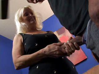 Порно зрелых мам и бабушек