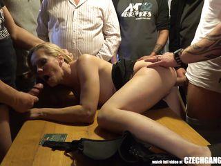 Порно русские молодые групповой бесплатно