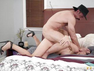 мужик трахает пьяную зрелую женщину