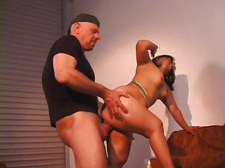 Порно дрочка женскими руками