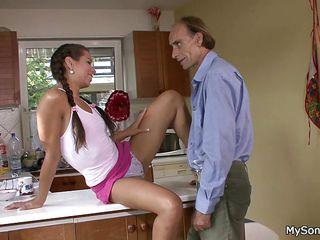 Порно зрелые в одежде